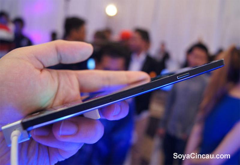 galaxy-a7-plus-fin-smartphone