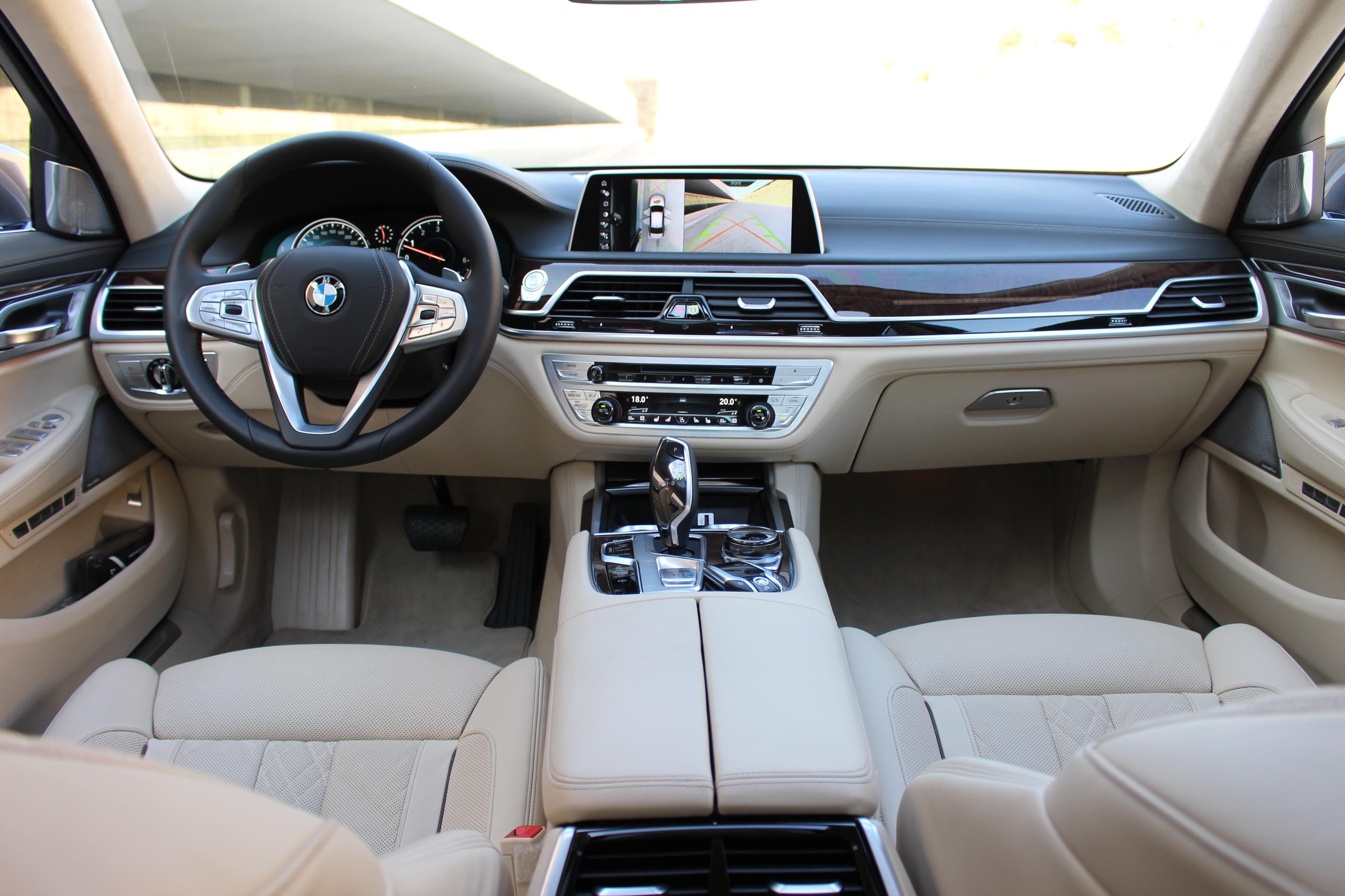 S0-Essai-video-BMW-Serie-7-bienvenue-dans-le-futur-363337