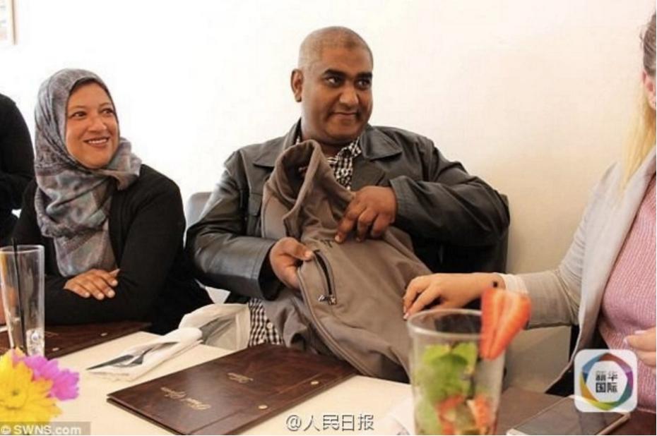 siraaj-abrahams-showing-his-jacket-pocket-where-his-phone-was-kept