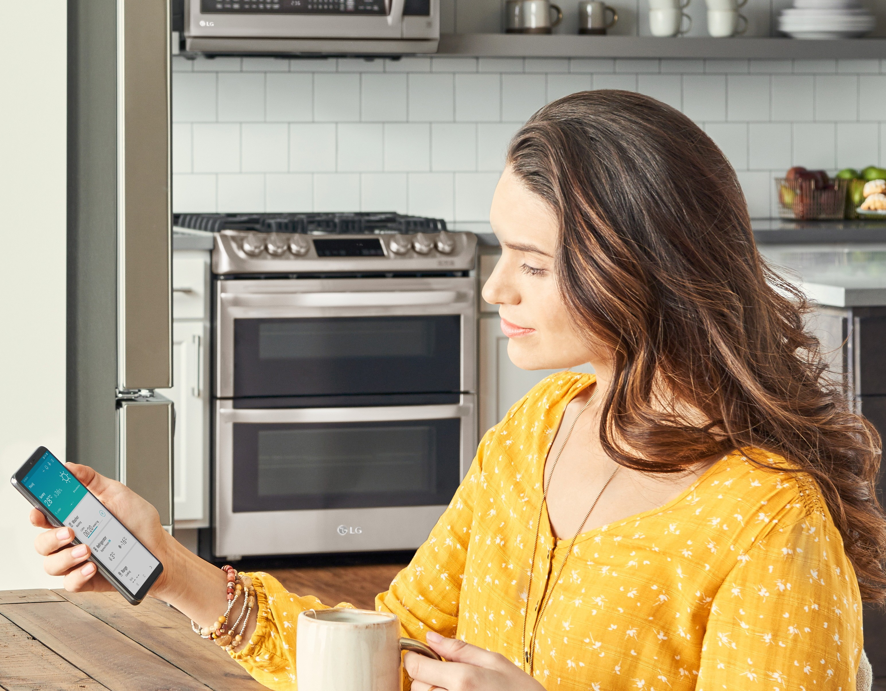 LG ThinQ Feature Story - Mother's Day 1-  IMAGE_New-LG-ThinQ-App-01